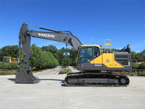 Detail photo of 2016 Volvo EC250EL from Construction Equipment Guide