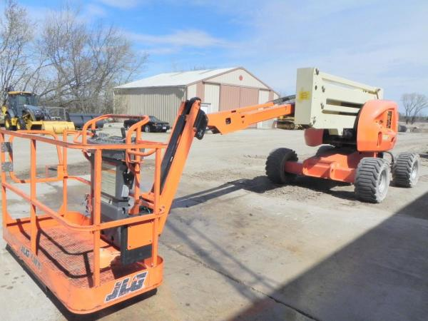 Detail photo of 2014 JLG 450AJ II from Construction Equipment Guide