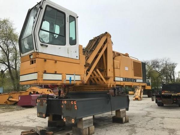 Detail photo of  Liebherr R984 from Construction Equipment Guide