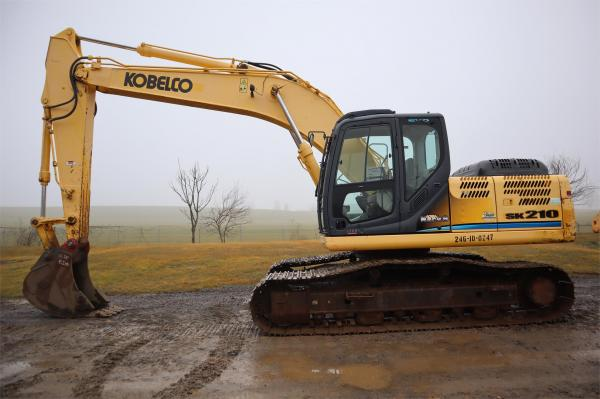 Detail photo of 2012 Kobelco SK210 from Construction Equipment Guide