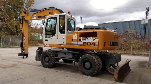 Detail photo of 2013 Liebherr A904C from Construction Equipment Guide