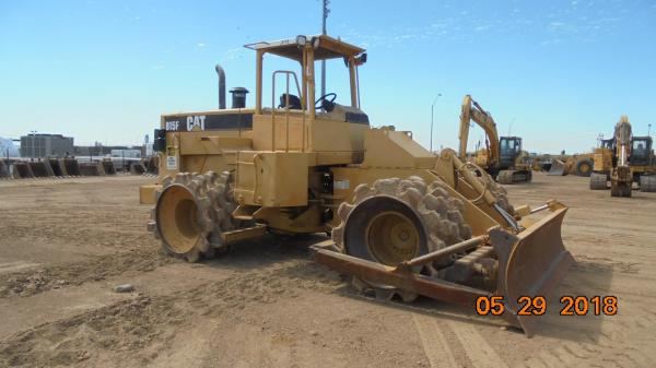 Detail photo of 1996 Caterpillar 815F from Construction Equipment Guide