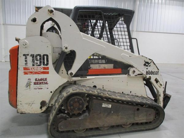 Detail photo of 2005 Bobcat T190 from Construction Equipment Guide