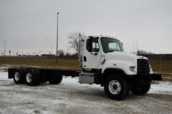Detail photo of 2017 FREIGHTLINER 114SD from Construction Equipment Guide