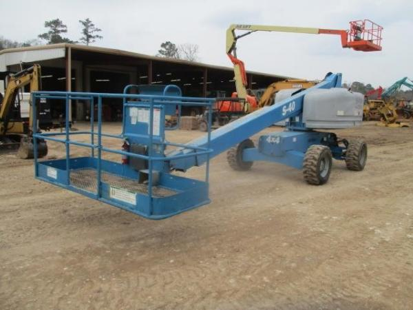 Detail photo of 2012 Genie S40 from Construction Equipment Guide