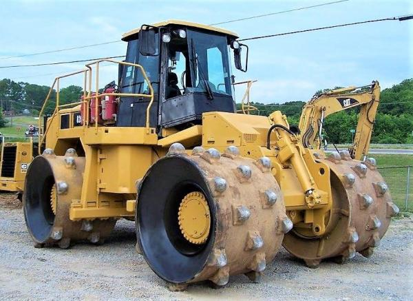 Detail photo of 2011 Caterpillar 826H from Construction Equipment Guide