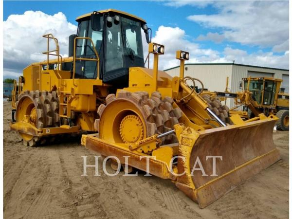 Detail photo of 2010 Caterpillar 825H from Construction Equipment Guide