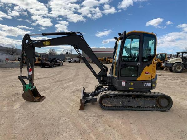 Detail photo of 2017 Volvo ECR58D from Construction Equipment Guide