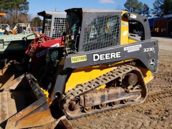 Detail photo of 2014 John Deere 323D from Construction Equipment Guide