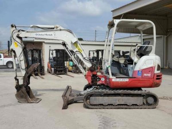 Detail photo of 2014 Takeuchi TB240 from Construction Equipment Guide