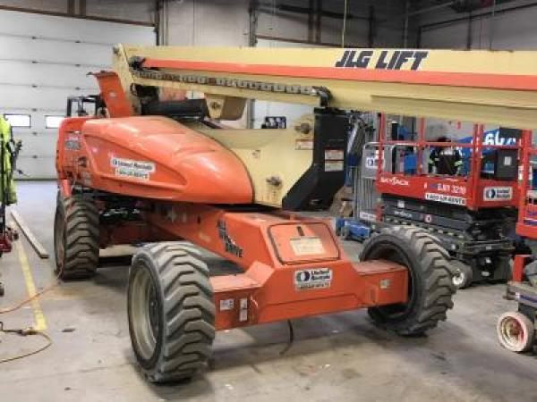 Detail photo of 2011 JLG M600JP from Construction Equipment Guide
