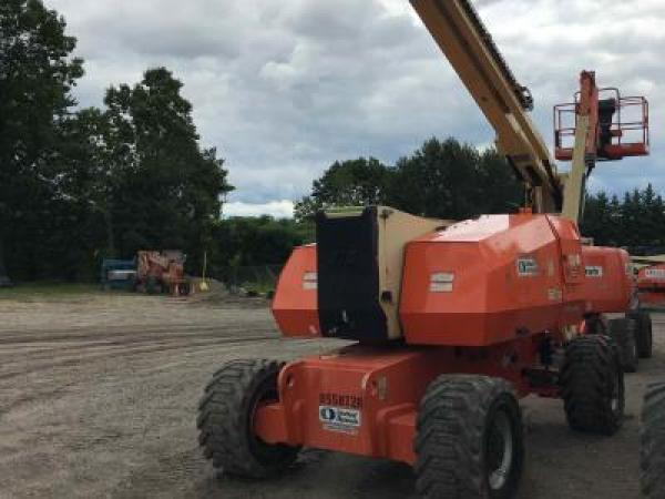 Detail photo of 2011 JLG 800AJ from Construction Equipment Guide