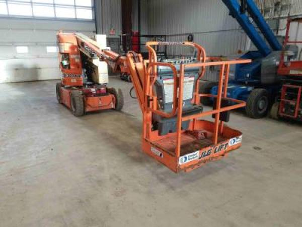 Detail photo of 2012 JLG E300AJP from Construction Equipment Guide