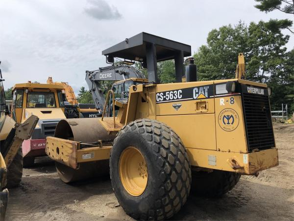 Detail photo of 1996 Caterpillar CS563C from Construction Equipment Guide