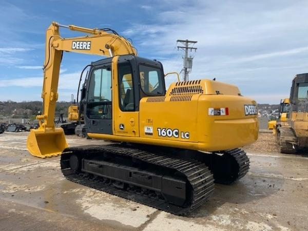 Detail photo of 2005 John Deere 160C LC from Construction Equipment Guide