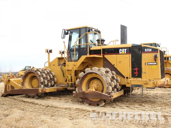 Detail photo of 2005 Caterpillar 825H from Construction Equipment Guide