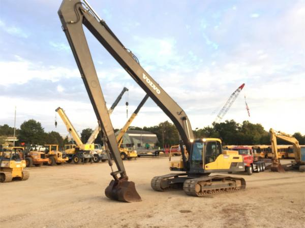 Detail photo of 2014 Volvo EC250D LR from Construction Equipment Guide