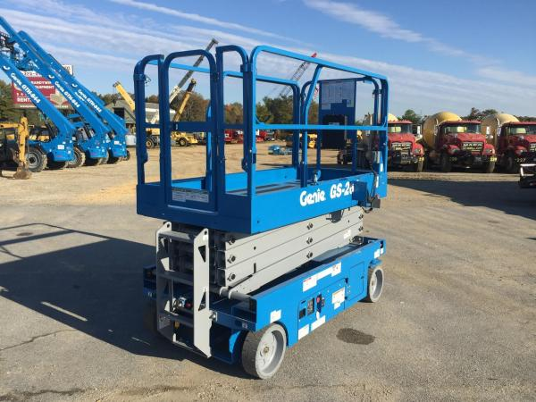 Detail photo of 2017 Genie GS2646 from Construction Equipment Guide