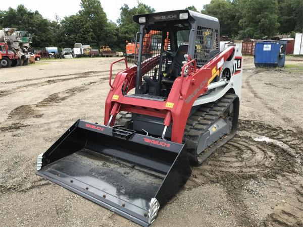 Detail photo of 2018 Takeuchi TL8 from Construction Equipment Guide