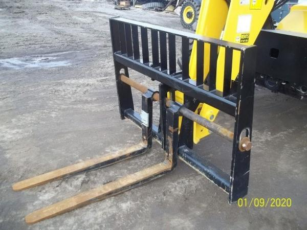 Detail photo of 2019 Gehl 807361 from Construction Equipment Guide