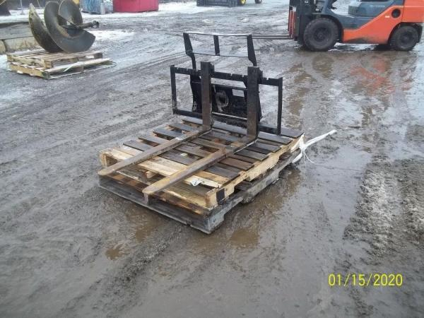 Detail photo of 2016 Paladin MINI PALLET FORKS from Construction Equipment Guide