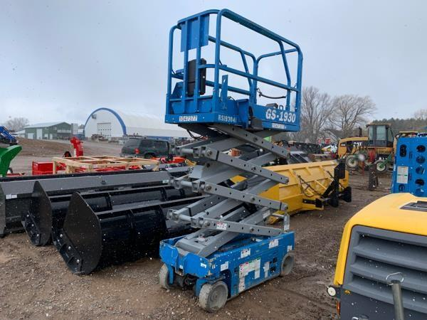 Detail photo of 2009 Genie GS1930 from Construction Equipment Guide