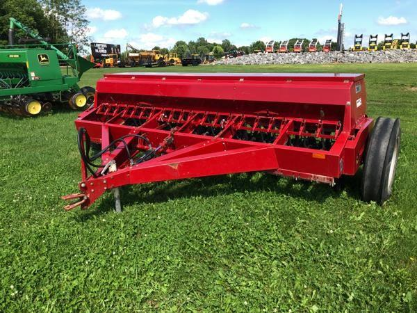 Detail photo of  Case IH 5300 from Construction Equipment Guide