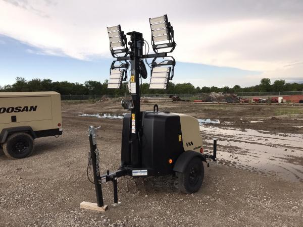 Detail photo of 2019 Doosan Portable Power LCV6 from Construction Equipment Guide