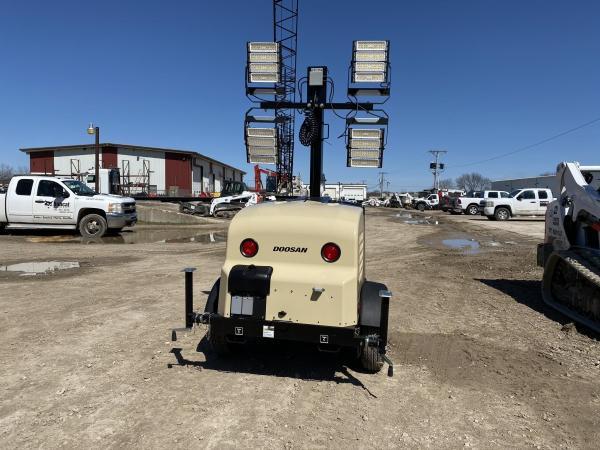 Detail photo of 2020 Doosan Portable Power LCV6WKUB-60HZ-T4F from Construction Equipment Guide