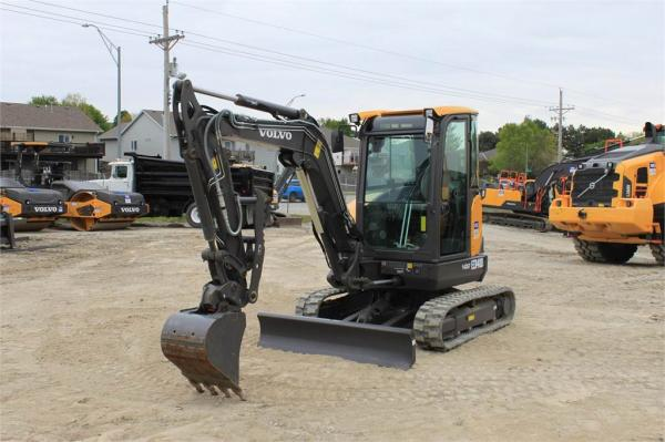 Detail photo of 2018 Volvo ECR40D from Construction Equipment Guide