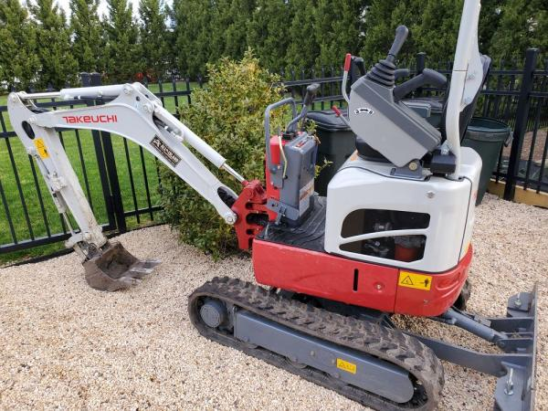 Detail photo of 2019 Takeuchi TB210R from Construction Equipment Guide