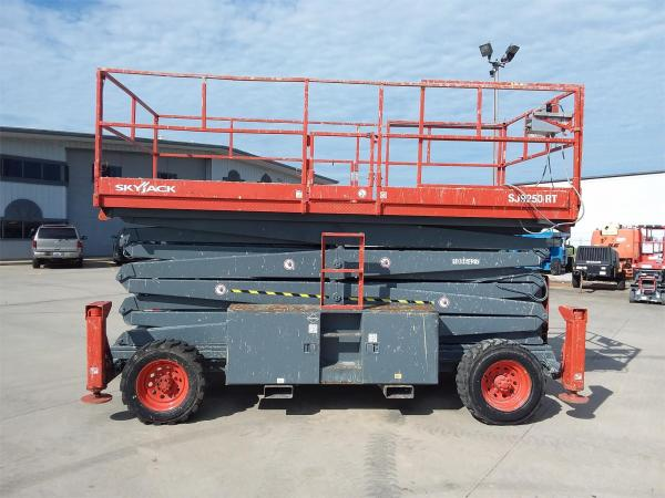 Detail photo of 2008 Skyjack SJ9250 RT from Construction Equipment Guide