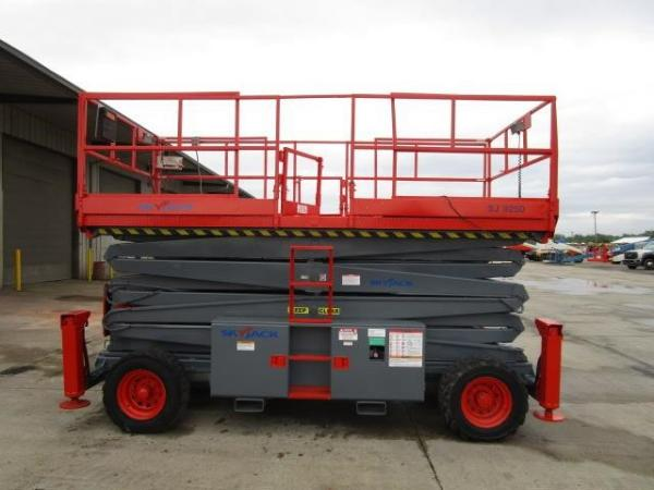 Detail photo of 2005 Skyjack SJ9250 RT from Construction Equipment Guide