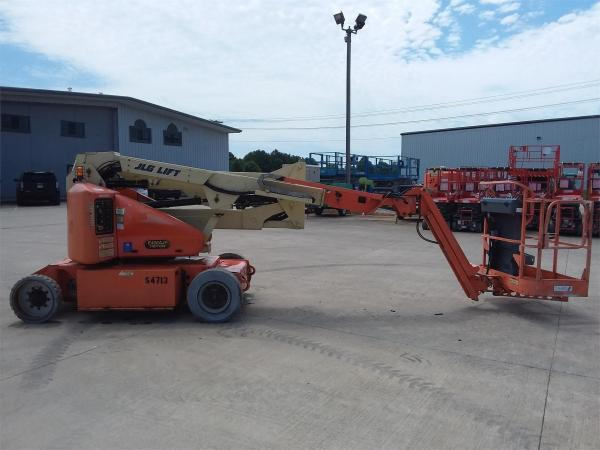 Detail photo of 2006 JLG E400AJPN from Construction Equipment Guide