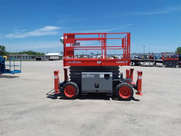 Detail photo of 2011 Skyjack SJ 6832RT from Construction Equipment Guide