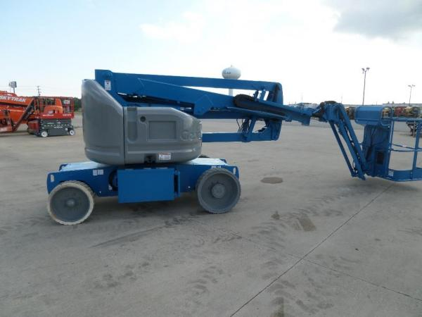 Detail photo of 2011 Genie Z-40/23N from Construction Equipment Guide