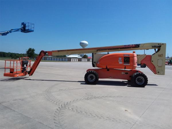 Detail photo of 2010 JLG 800AJ from Construction Equipment Guide