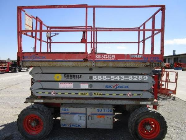 Detail photo of 2011 Skyjack SJ7135 RT from Construction Equipment Guide